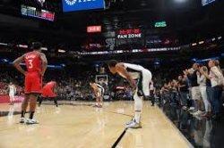 Beri Penghormatan Pada Kobe Bryant, Seluruh Tim NBA Hentikan Pertandingan 24 Detik