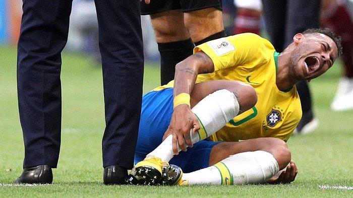 Andy Robertson Sebut Liverpool Frustasi dengan Aksi Teaterikal Neymar