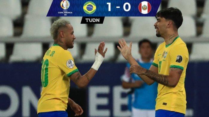 Neymar dan Lucas Paqueta merayakan gol ke gawang Peru. Babak pertama Semifinal Copa America 2021 antara Brasil vs Peru 1-0