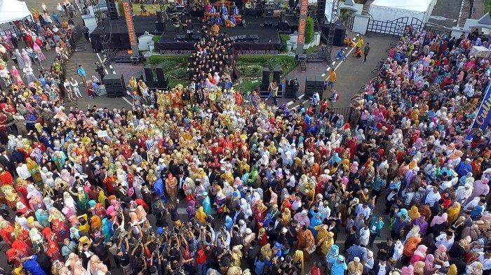 612 Pasangan Resmi Jadi Suami-Istri, Tangerang Ngebesan 2019 Pecahkan Rekor MURI