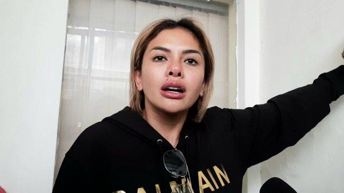 Sebut Vicky Nitinegoro Jadi Tamu Spesial di Perayaan Ultahnya, Nikita Mirzani: Aku Sayang Dia