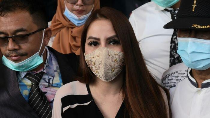 Pedangdut Nita Thalia menghadiri sidang gugatan cerainya terhadap Nurdin Rudythia di Pengadilan Agama Jakarta Utara, Jalan Raya Semper, Jakarta Utara, Selasa (1/12/2020).
