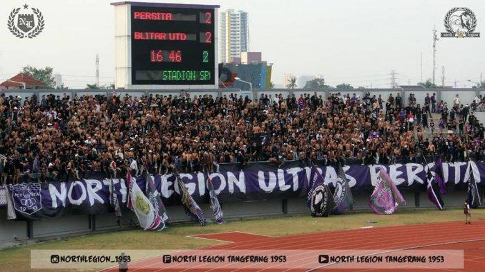 Saat Persita Tangerang bertanding, North Legion mendukung dengan yel-yel dan gerakan koreografi yang membuat semangat Pendekar Cisadane