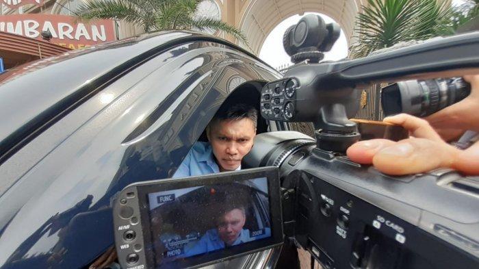 VIDEO: Momen saat Nus Kei Berangkat ke Polda Metro Jaya Temui John Kei