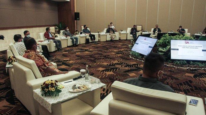 Peserta mengikuti acara  di Sleman, DI Yogyakarta, Sabtu (5/6/2021).