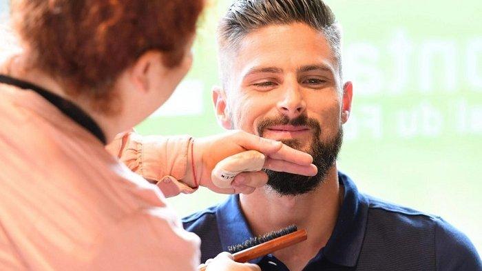 Olivier Giroud Akan Cukur Rambut dan Jenggotnya