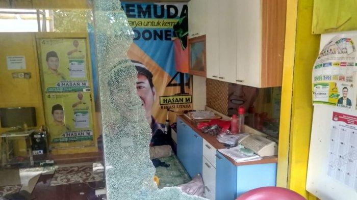 Kaca Jendela Posko Caleg Golkar di Bekasi Dipecahkan