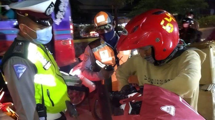 Pemudik Tak Bisa ke Karawang, 197 Kendaraan Diputarbalik di Posko Penyekatan Kedungwaringin