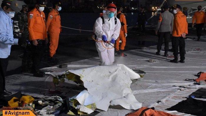 Sudah 28 Potongan Besar Pesawat SJ 182 Berhasil Diangkat dari Dasar Laut, Cuaca Masih Jadi Hambatan