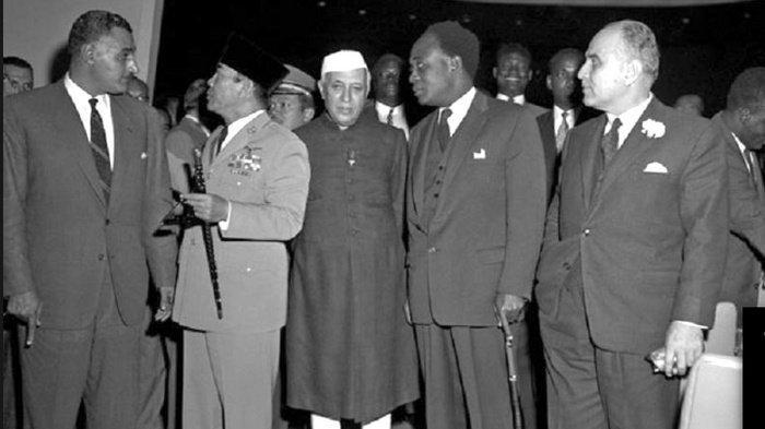 Orang Afrika pun Ikut Bertanya Mengapa Soekarno Disingkirkan? Ini Jawaban Ben Mboi yang Bikin Kaget