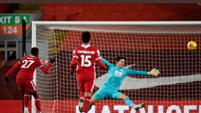 Divock Origi nyaris menjebol gawang Burnley di babak pertama. Origi sendiri kemudian diganti Mohammed Salah babak kedua