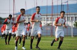 Pelatih Persija Jakarta Elite Pro Academy, Washiyatul Akmal, Beri Wejangan kepada Anak Asuhnya