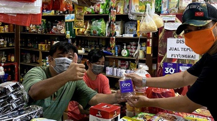 Bersatu Lawan Virus Corona, OVO Bagikan 10.000 Hand Sanitizer untuk Merchant dan UKM