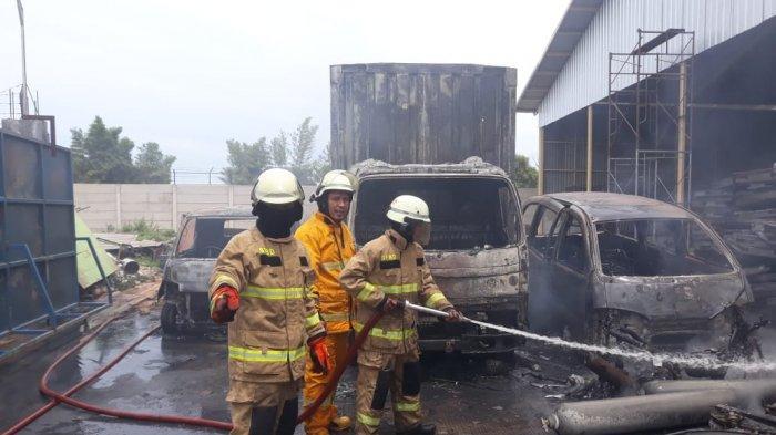 Tabung Gas Bocor Pabrik Roti di Tangerang Ludes Terbakar