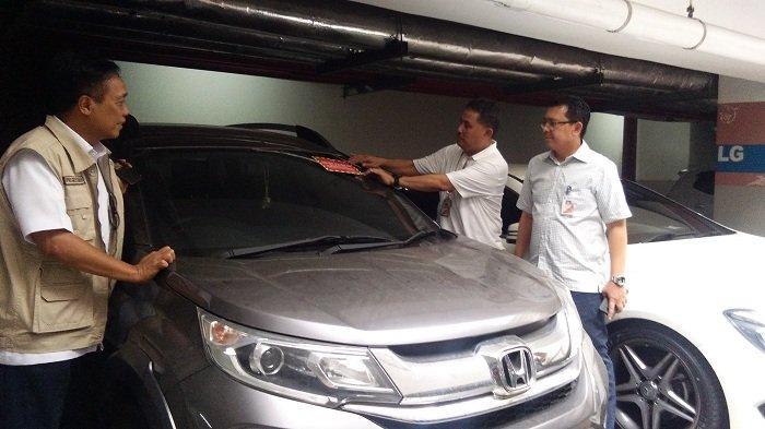 Hasil Razia Pajak Mobil Mewah Akibat Tunggakan, Pemkot Jakarta Barat Rugi Rp 500 Juta