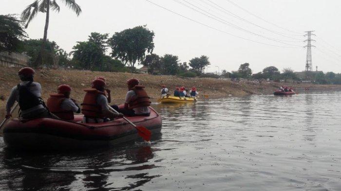 Memeringati Hari Sungai Ciliwung ke-8 Palyja Gelar Aksi Bersih-bersih di Sungai Ciliwung
