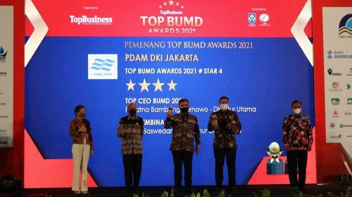 PAM JAYA Terima Penghargaan Top BUMD 2021