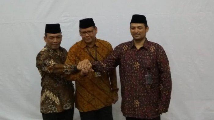 RZ Panca Putra Simanjuntak (kiri) saat dilantik menjadi Dirdik KPK
