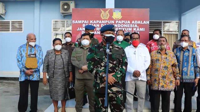 VIDEO : Silaturahmi Tokoh Masyarakat Papua dengan Pangkoops III TNI AU