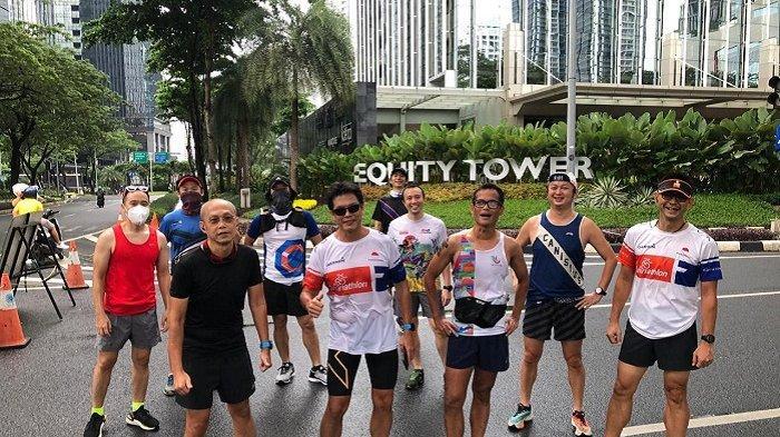 Para Canirunners, pelari alumni Kolese Kanisius Jakarta, usai mengikuti event lari untuk menggalang dana bagi Caritas Christmas, Minggu (6/12/2020).