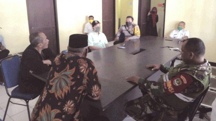 Tak Ada Transparansi Anggaran Covid-19, 13 Ketua RT Geruduk Kantor Kelurahan Bojongsari Baru Depok