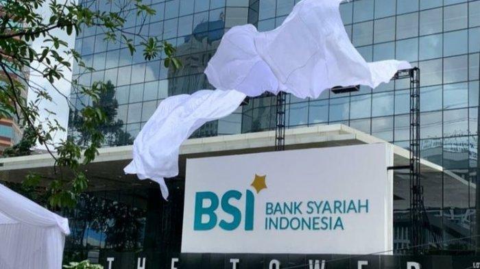 Bank Syariah Indonesia hasil merger bang sejumlah ban syariah. Para nasabah ketiga bank syariah yang dimerger masih bisa memakai buku tabungan dan ATM lama. Belum ada penggantian dengan yang baru