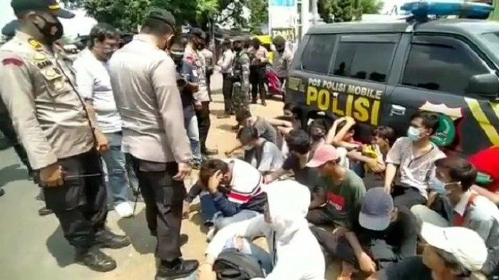 VIDEO 320 Pelajar di Bekasi Diamankan Polisi, Ikut Demo Tapi Tak Paham Omnibus Law Ciptaker