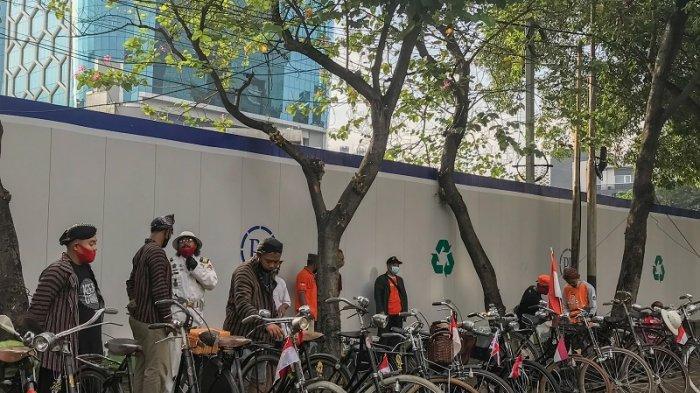 Komunitas Sepeda Onthel Kwitang Setuju Aturan Menteri Perhubungan Tentang Keselamatan Pesepeda