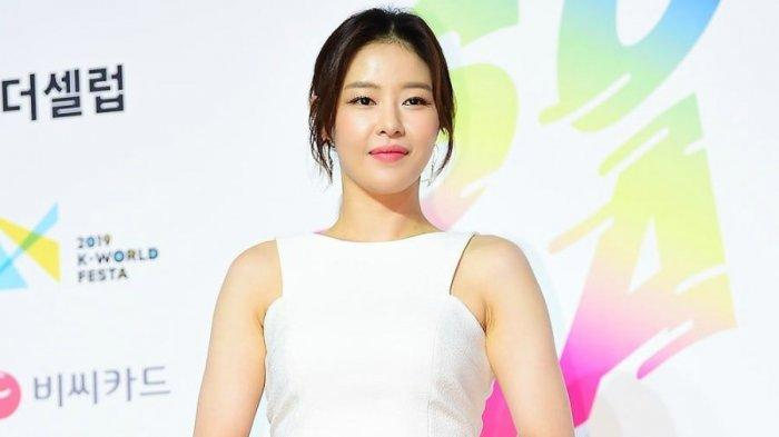 Park Ha Na Akui Sudah Berpisah dari Kekasihnya Setelah Pacaran 1 Tahun