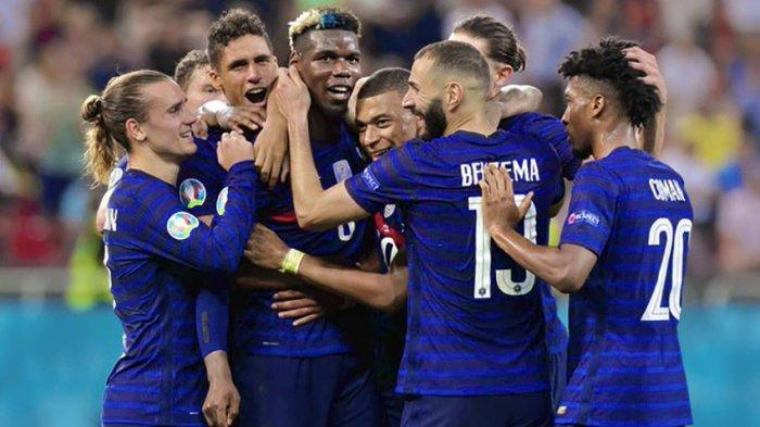 Bintang Manchester United, Paul Pogba menciptakan gol indah buat timnas Prancis ke gawang Swiss pada laga babak 16 besar Piala Eropa meski akhirnya Prancis tersingkir