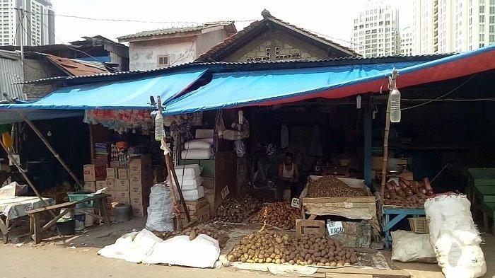 Pedagang Pasar Tradisional di Jakarta Selatan Belum Dapat Sosialisasi Vaksinasi Covid-19