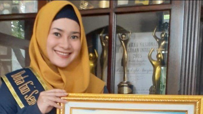 Pedangdut Ikke Nurjanah didapuk menjadi salah satu Duta Gizi Indonesia oleh Perhimpunan Pakar Gizi dan Pangan (Pergizi Pangan) Indonesia, Kamis (9/4/2020).