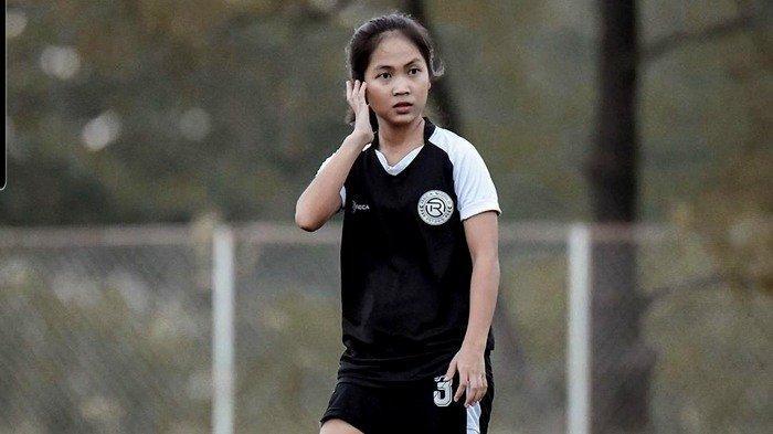 Pemain Futsal Jelita Indriani Sari Perkirakan Liverpool Menang 3-1 dari Manchester United