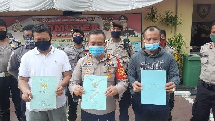 Polisi Dibantu Ketua RW Tangkap Wanita Pelaku Investasi Bodong