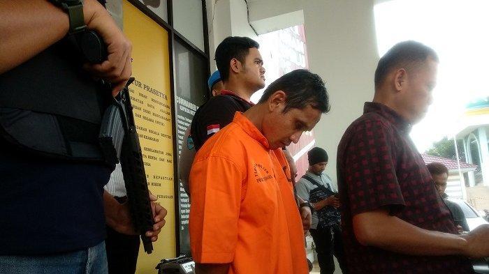 Pengungkapan kasus pembunuhan seorang wanita di apartemen yang digelar di Mapolres Tangerang Selatan, Serpong, Senin (13/5/2019).
