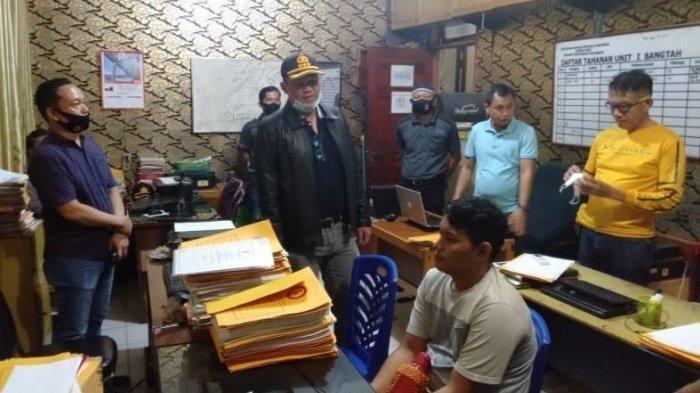 Driver Ojol Ditendang hingga Jatuh dari Motor, Rumah Pelaku Langsung Dikepung Ratusan Ojek