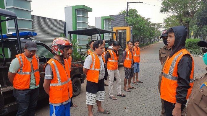 Puluhan Pengendara Terjaring Razia PSBB di Tangsel, Mereka Diminta Lafalkan Pancasila
