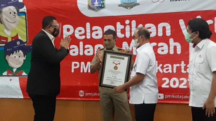 PMI Jakarta Timur Raih Rekor MURI karena Melantik 20.000 Anggota PMR Secara Virtual