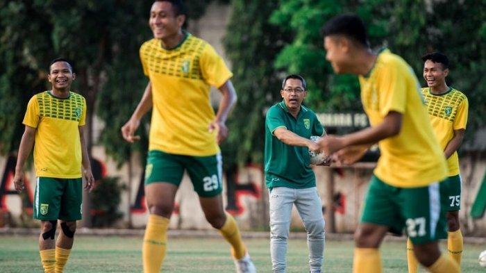 Persebaya Surabaya Vs Persipura Jayapura, Aji Santoso Optimis Raih Poin di Kandang Sendiri