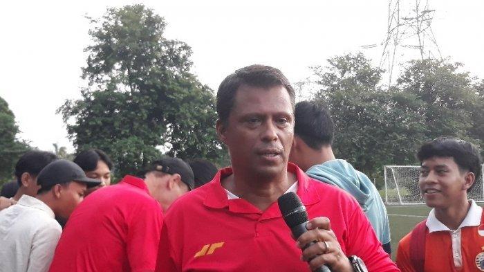 Persija Jakarta Terusir dari Halim, Sergio Farias Ingin Pemainnya Berlatih di Lapangan Rumput