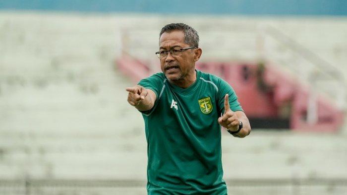 Lawan Persib, Aji Santoso Siapkan Algojo Untuk Adu Penalti Bila Pertandingan Berakhir Imbang