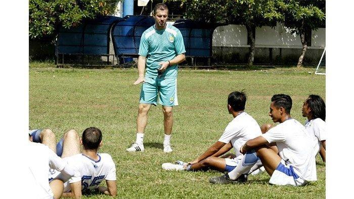 Miljan Radovic Akan Berlakukan Jadwal Latihan Malam di Bulan Ramadan untuk Skuat Persib Bandung