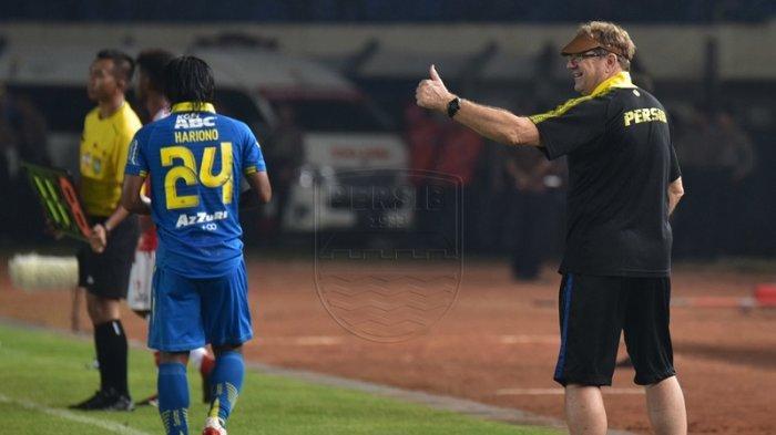 Persib Bandung Menang Telak 3-0 dari Persipura Jayapura, Robert Alberts Bisa Patahkan Rekor Buruk