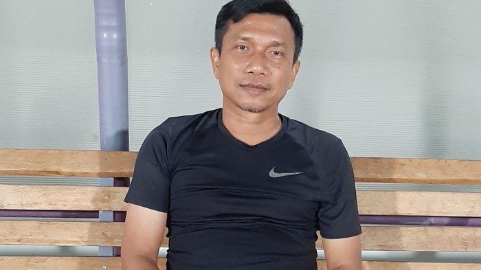 Curva Sud Ultras Persita Tangerang Sanjung Pelatih Widodo Cahyono Putro