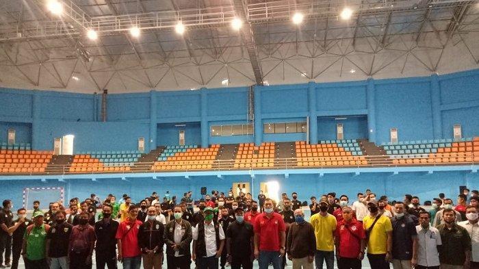 Wasit Oki Dwi Putra Berbagi Ilmu dalam Kegiatan Penyegaran Wasit PSSI di Bogor