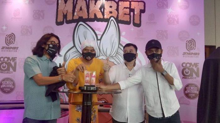 Kolaborasi Tiga Vapers dan YouTubers Arif Muhammad Lahirkan Rokok Elektrik Makbet