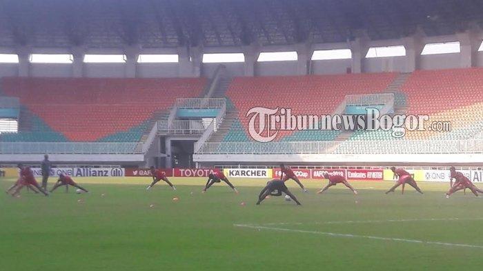 Becamex Binh Duong Jajal Rumput Stadion Pakansari Jelang Laga Kontra PSM Makassar