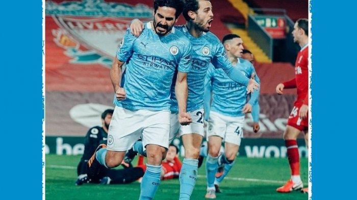 Para pemain Manhester City rayakan gol ke gawang Liverpool. Hasil akhir tuan rumah Liverpool dibantai City 4-1