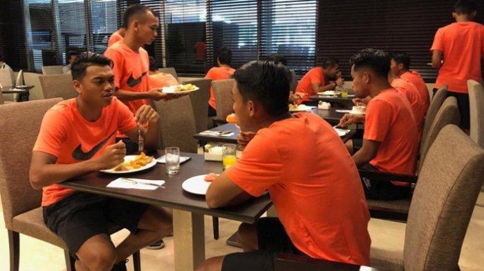 Pemain Timnas Indonesia Tak Boleh Santap Makanan Bersantan dan MSG