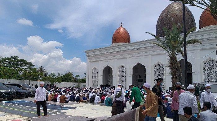 Ribuan Jamaah Padati Pemakaman Al Habib Musthofa Jafar Assegaf di Kalimulya Depok